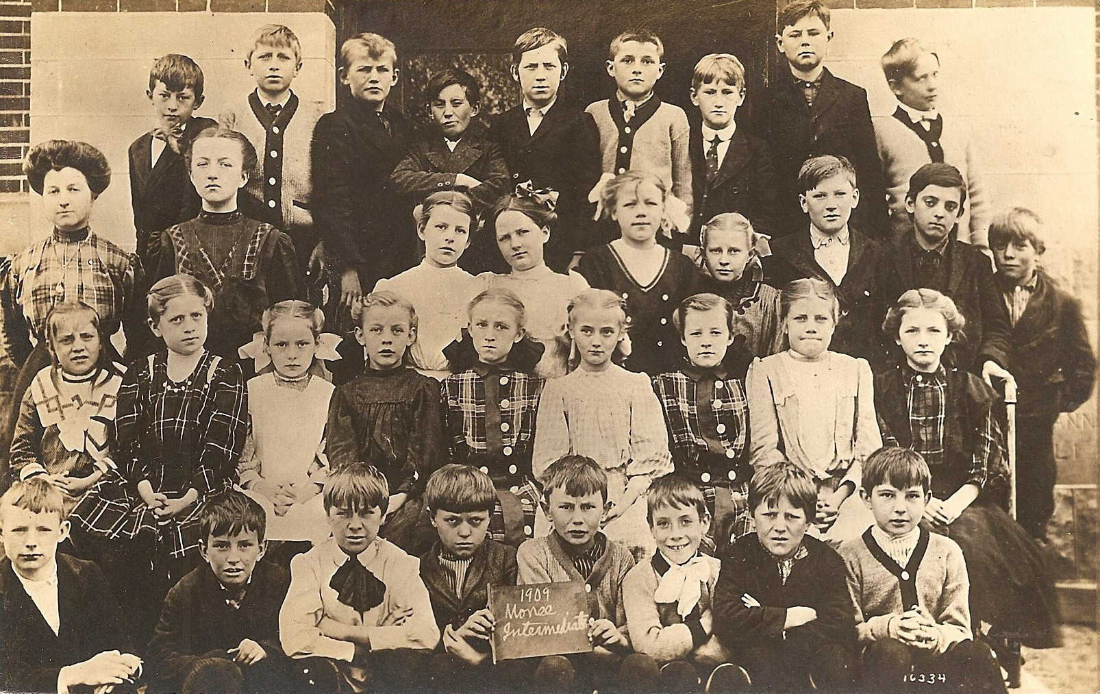 Monee Intermediate Public School 1909